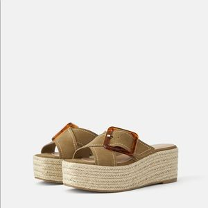 LEATHER PLATFORM WEDGES WITH TORTOISESHELL BUCKLE